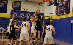Freshmen Landyn Putman shoots the ball